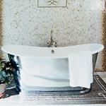 Hampton island bath