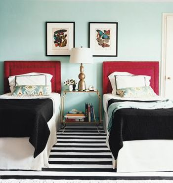 Twin bedroom stripe rug