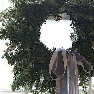 Ribbons-wreath-l
