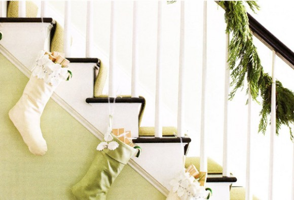White-ivory-green-holiday-decor-580x395