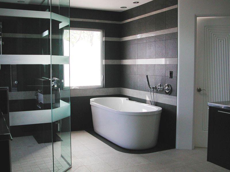 Bathroom-blackwhite